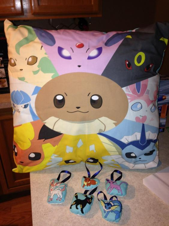 Eevee pillow.JPG